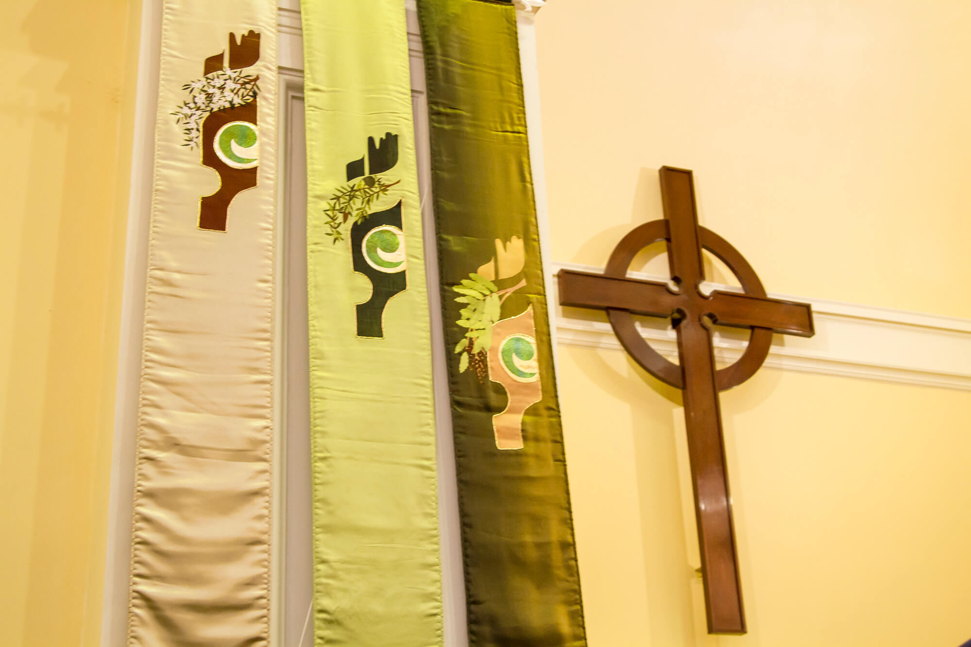 Banners in St Andrew's next to the presbyterian cross