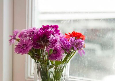 rainbow-room-flowers