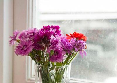 rainbow-room-flowers